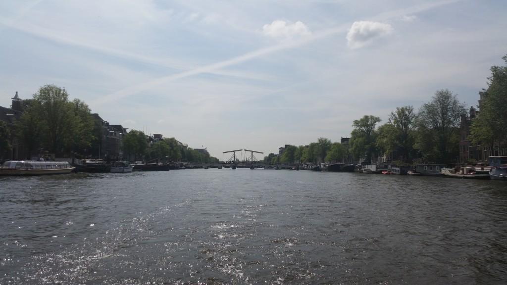 Разходка с кораб Амстердам HotelFinder търсене и оценка на хотели