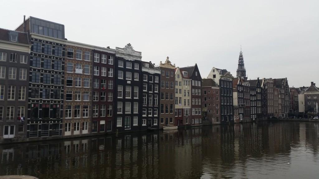 Амстердам старата част HotelFinder търсене и оценка на хотели