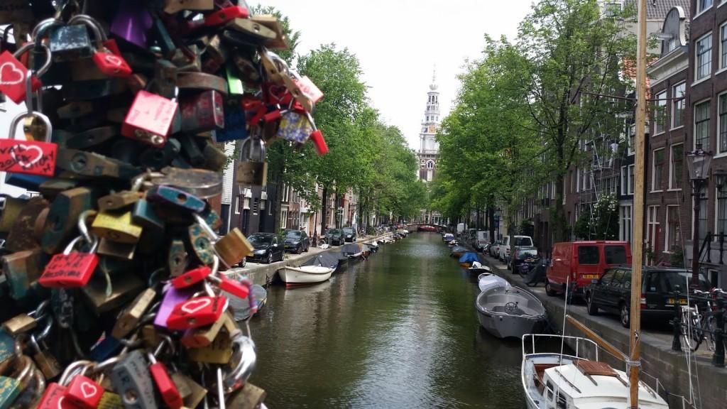 Бялата кула в Амстердам HotelFinder търсене и оценка на хотели