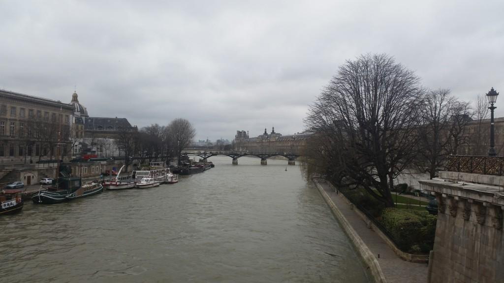 Сена Париж HotelFinder търсене и оценка на хотели