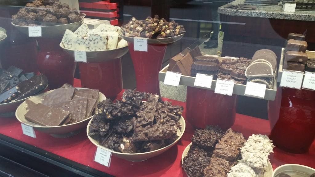 Ръчен шоколад в Париж HotelFinder търсене и оценка на хотели