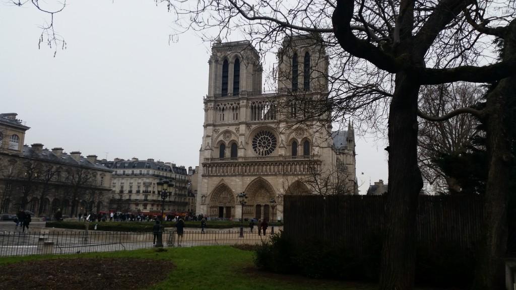Нотр Дам Париж HotelFinder търсене и оценка на хотели