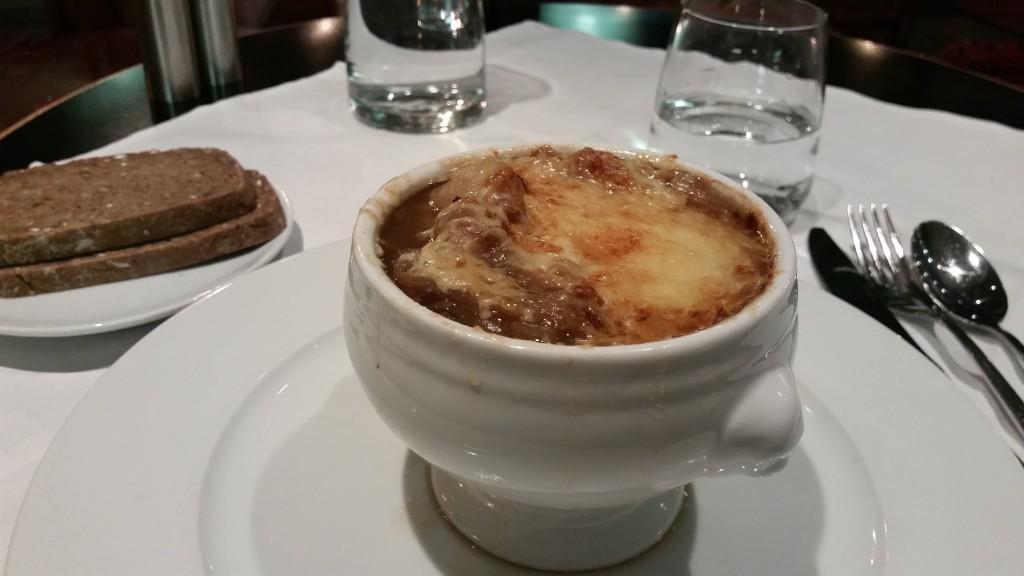 Лучена супа Париж HotelFinder търсене и оценка на хотели