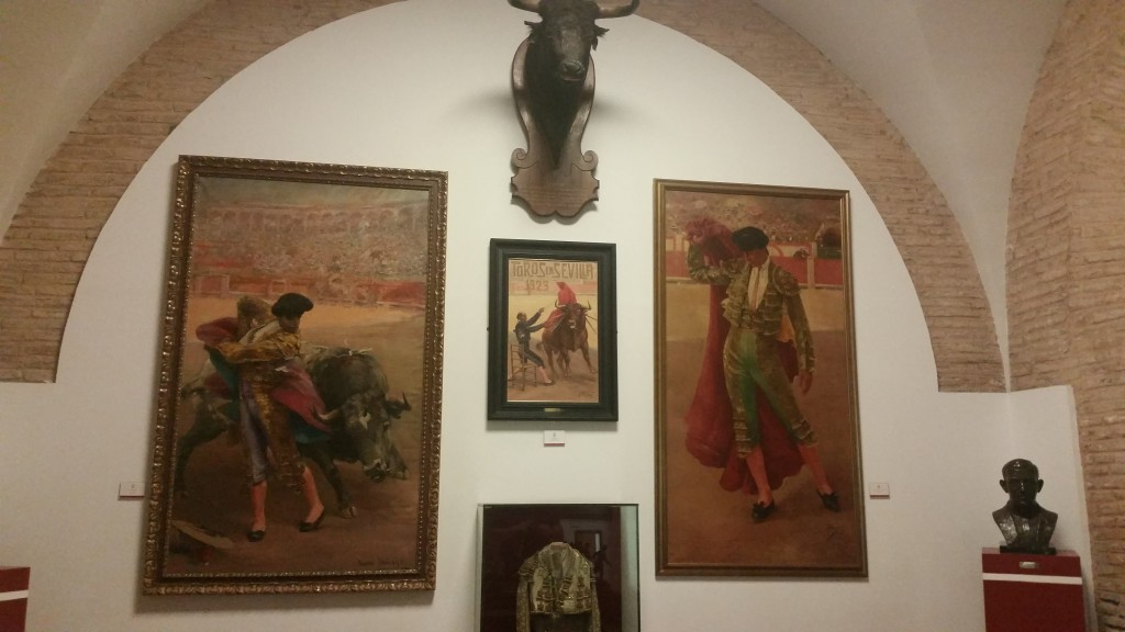 Арена за борба с бикове Севиля HotelFinder търсене и оценка на хотели