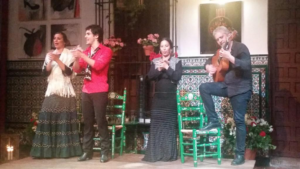 Фламенко в къщата на фламенкото Севиля HotelFinder търсене и оценка на хотели