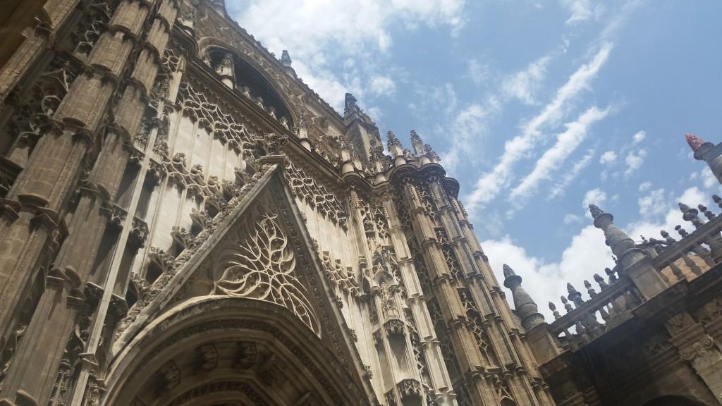 Катедралата в Севиля HotelFinder търсене и оценка на хотели