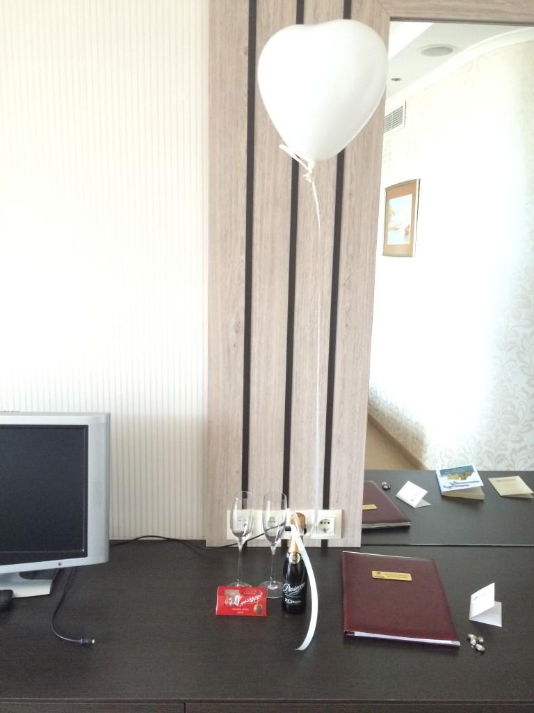 Свети Валентин в гранд хотел Поморие HotelFinder - търсене и оценка на хотели